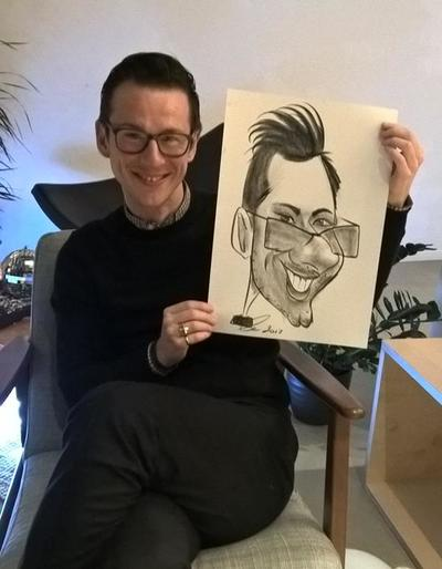 Smiley face caricaturist